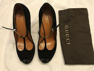 823c1ed3ccc8 Gucci Platform Peep Toe Pumps Black leather Betty T-Strap platform peep toe  pump