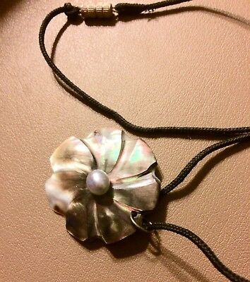 Mother Of Pearl Shell Necklace With Center Pearl From Tahiti