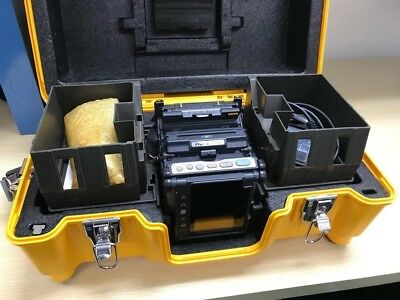 Fujikura FSM-70R Fusion splicer w/CT-30, HJS-02 ***USA MODEL***