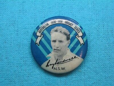 1950-51 NSW AUSTRALIA CRICKET CLUB SERIES TEAM PLAYER TIN BACK BADGE No5