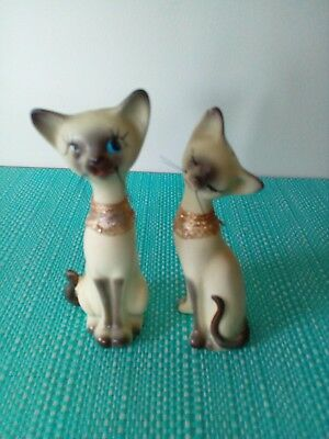 Siamese cats Salt And Pepper Shakers.