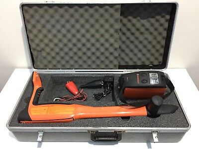 METROTECH 810DX Receiver/Transmitter Pipe And Cable Locator With Carry Case