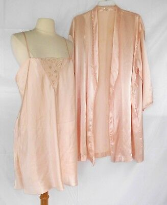 Vintage LAURA ADAMS Women's Pale Pink Satin Embroidered Nightgown & Robe Size L