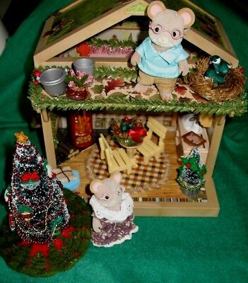 Calico Critters vintage grandparents with ooak cabin and Christmas trees lot