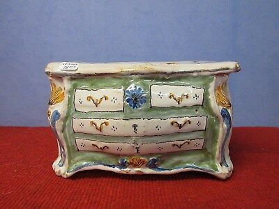 commode bouquetiere en faience de nevers xviiième