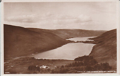 Selkirkshire>>>LOCH O'THE LOWES AND ST MARY'S--VINTAGE POSTCARD # P/U1936 # 2499