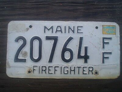 Maine Firefighter License Plate no border