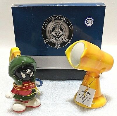 Looney Tunes Marvin The Martian & Telescope Salt & Pepper Shakers