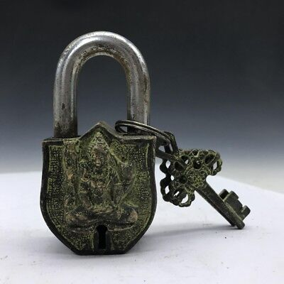 Rare Chinese old brass sculpture is the image of the locks and keys b820