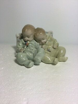 Lladro Figurine 5772 Little Dreamers, Mint, Retired, Twin Babies, Baby Sleeping
