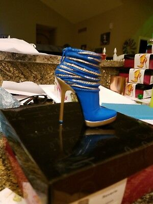 Just the Right Shoe Reverie Mini shoe collectible