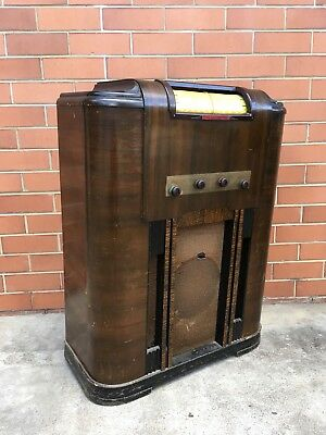 VINTAGE RARE 1930s CROYDEN MODEL-37 ? VALVE TUBE RADIO IN WOOD CABINET