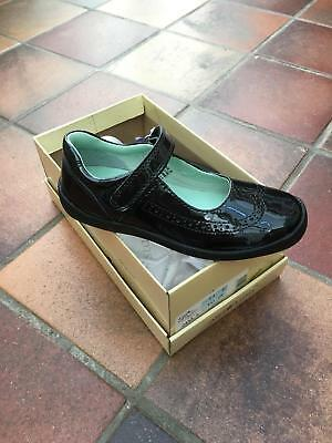 Start-rite LIZZY Patent Girls School Shoe Size 3.5F At Sale Price