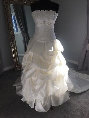 Beautiful Maggie Sottero Haute Couture Wedding Dress Size 4