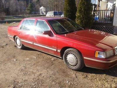 1998 Cadillac DeVille  1998 CADILAC DeVILLE DELEGANCE RED BEUTY WITH ONLY 42K MILES (FLORIDA CAR)