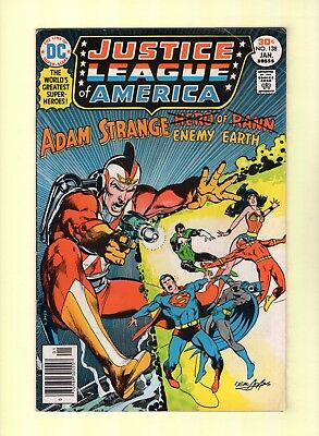 Justice League of America #138  --  Neal Adams cover!  -- --  6.5  FN+    (il10)
