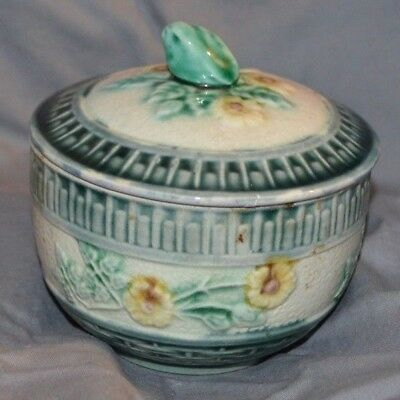 Etruscan Majolica WIld Rose Covered Sugar Bowl Dish M 13 Antique Vintage Pottery