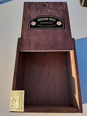 Make offer Crowned Heads Jericho Hill Willy Lee Wood Slide Top Cigar Box Storage