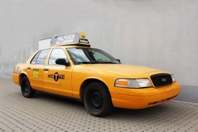 Ford Crown Victoria New York Yellow Cab Taxi