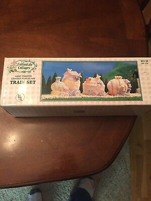 NEW EASTER Cottontale Cottages Porcelain Hand Painted Train Set Lights w / Box