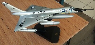 B-58 Hustler USAF Balsa Airplane Display Model Scale 1:72 with Placard Stand