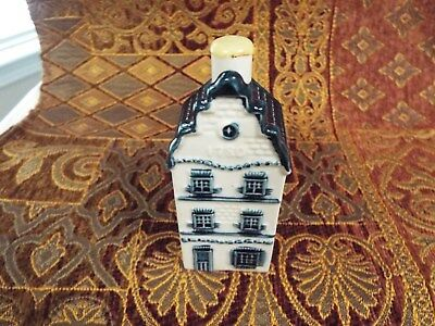 KLM Blue Delft house #3 sealed with contents - no date see info