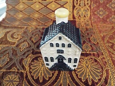 KLM Blue Delft house #4 sealed with contents no date see info