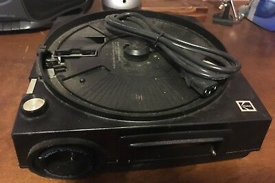 Vintage Kodak Slide Projector with 140-slide tray in great condition!!