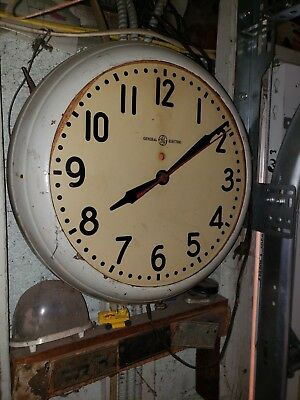 Old 14 inch General Electric wall clock