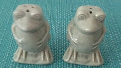 Frogs Salt And Pepper Shakers.