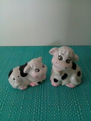 Cows Salt And Pepper Shakers.