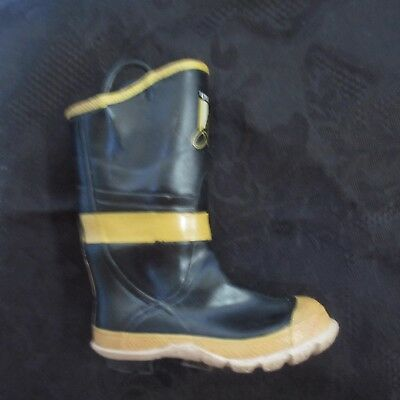 JUST THE RIGHT SHOE Firefighter Boot JTRS 25312 Miniature Created 9/11 Heroes