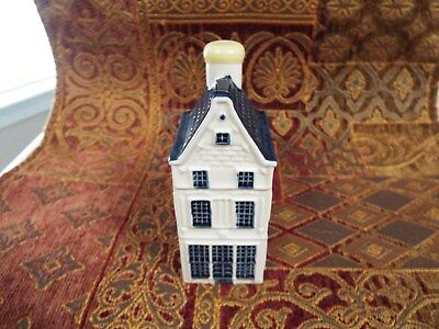 KLM Blue Delft house #8 - sealed with contents - see info