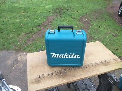 Makita RP0900x Router