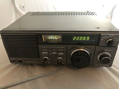 Kenwood R-600 HF Table Top Communications Receiver.