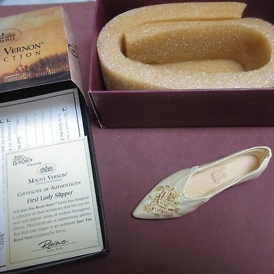JUST THE RIGHT SHOE First Lady Slipper JTRS 25411 Mount Vernon Collection