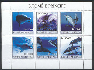 St Thomas & Prince Is. - 2003 MNH sheet of 6 dolphins #1526 cv 8.00 Lot #12