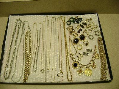 VINTAGE NICELOT OF34 PIECES JEWELRY MIXED BRANDSEstate