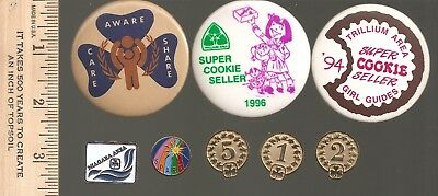 Girl Guides Canada - lot of 3 buttons + 5 pins - as shown