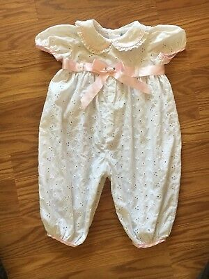 Vintage baby girls White eyelet one piece rumper trimed in pink size 6-9 months