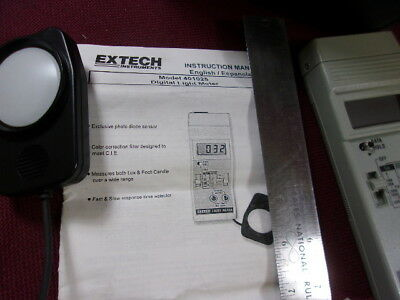 Light Meter By Exteck Model # 401025  With Original Case Serial  L831274 Loc6705