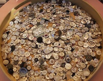 Original Vintage ,about 1,000 Pearl Buttons
