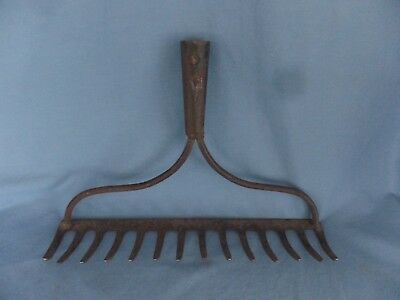 RUSTIC Metal RAKE HEAD Antique Vintage Farm Decor Rustic Repurpose 14 tines