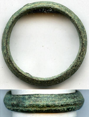 Ancient bronze Celtic finger ring (size ~ 11 3/4), 800-500 BC, Danube Area