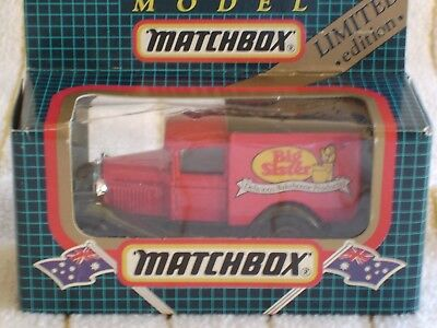 MATCHBOX MB 38 Johnson Seeds Ford Model A - Boxed - £3 00