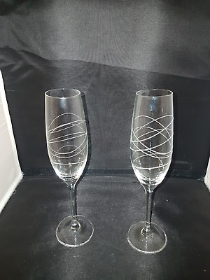 Royal Doulton Crystal Champagne Flutes Party Swirl Helix Design X 2