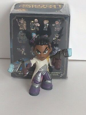 League Of Legends Gamestop Exclusive Lucian Mini Figure