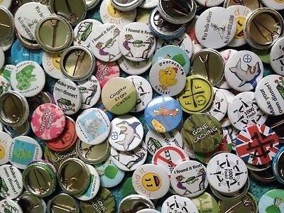 Job lot 50 Geocaching Badges 25mm Swag leave in geocache swaps stocking fillers
