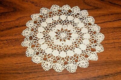 1950's HANDMADE, DaintyCROCHETED THREAD LACE DOILY, Star, Shells, Floral UNUSED!