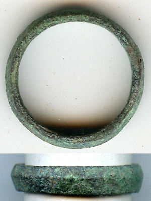 Ancient bronze Celtic finger ring (size ~ 6 3/4), 800-500 BC, Danube Area - #1